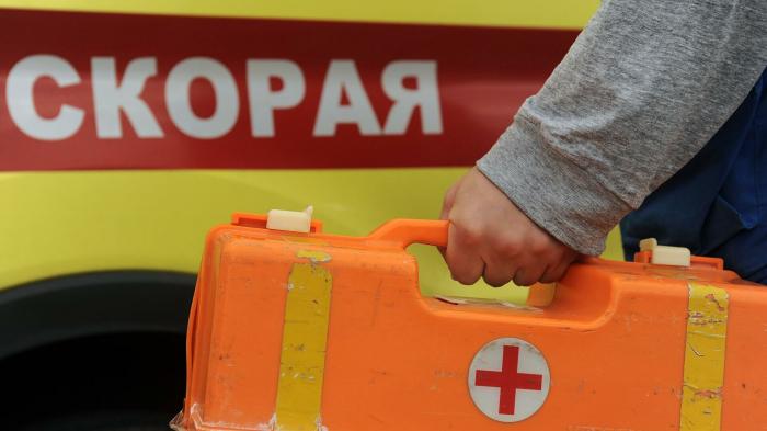 Минивэн и маршрутное такси столкнулись в Санкт-Петербурге, один человек погиб, восемь попали в больницу, сообщает МЧС России. «Поступило сообщение о Д...