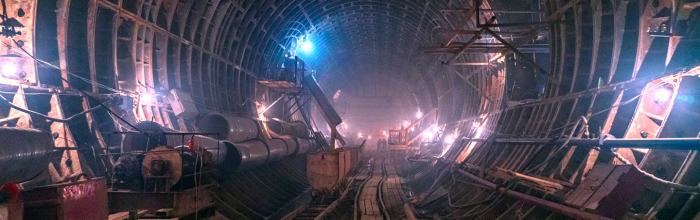 В наземном вестибюле строящейся станции «Марьина Роща» Большой кольцевой линии (БКЛ) метро установлены светопрозрачные витражи из закаленного стекла. Об эт...