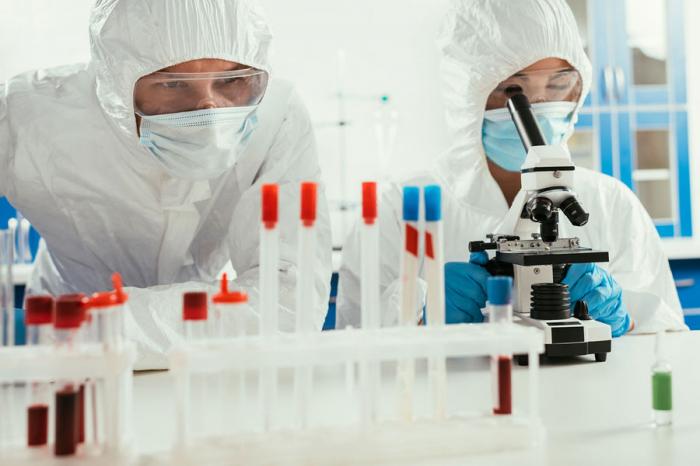 Ученые изСША и Уханя планировали создать новые коронавирусы еще допандемии COVID-19, сообщает газета The Daily Telegraph. По информации издания...
