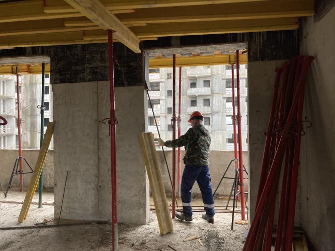 Для строительства последнего блока корпуса №2 проблемного ЖК «Терлецкий парк» городской застройщик АО «Мосотделстрой № 1» заключил договор на вывоз грунт...