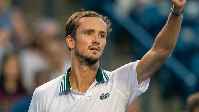 Россиянин Даниил Медведев не смог выйти в четвертьфинал теннисного турнира в Индиан-Уэллсе (США), призовой фонд которого превышает 8,3 миллиона долларов. ...