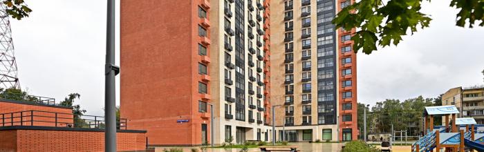 Переселение участников программы реновации в новые квартиры сейчас идет в 60 районах столицы. Об этом сообщил заместитель Мэра Москвы в Правительстве Моск...
