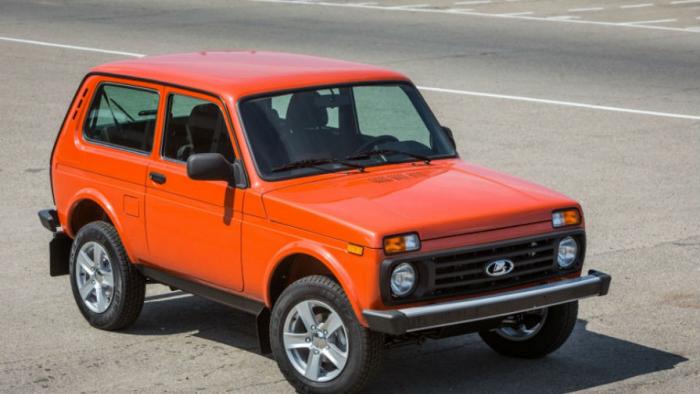 В Великобритании распродали две партии внедорожников Lada Niva Legend, которые из-за цены насертификацию и регистрацию автомобилей стоят существенно...