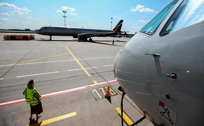 Отрасль пассажирских авиаперевозок компенсирует убытки, полученные из-за коронавируса, не ранее 2024 года, прогнозируют аналитики НКР. Восстановлению препят...