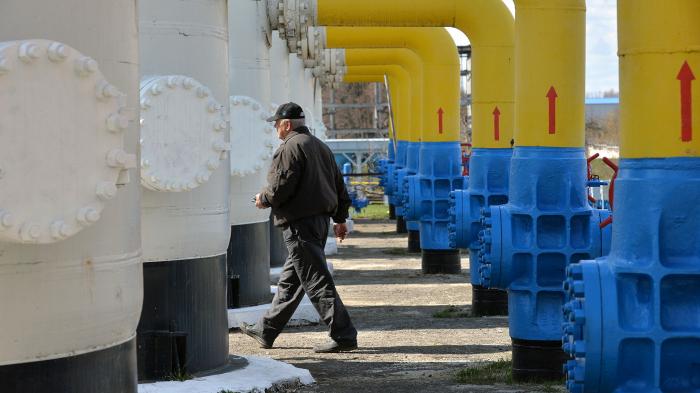 Чиновники из Европейской комиссии настолько отдалились от людей, что довели ЕС до энергетического кризиса, считает журналист чешского издания Info Владим...