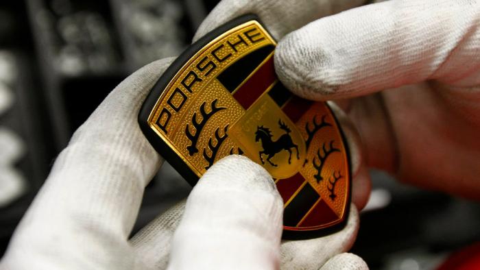 Финальные испытания самой мощной ибыстрой модификации своего «младшего» спорткара Cayman 718, которая получит обозначение GT4RS, пров...