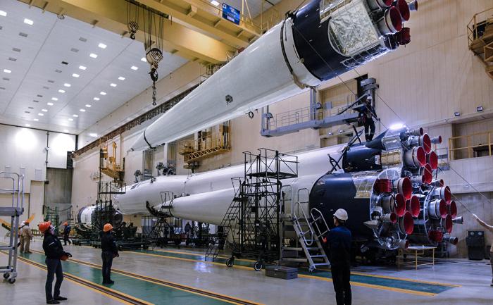 Герман Греф обратился в «Роскосмос» с целью размещения рекламы на ракете «Союз» в честь 180-летия банка. Запуск ракеты запланирован на 28 октября Президент С...