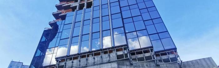 Архитектурное решение фасадов Zilart Tower в бывшей промзоне «ЗИЛ» на юге столицы строится на сочетании остекленных поверхностей и металлических пилонов треу...